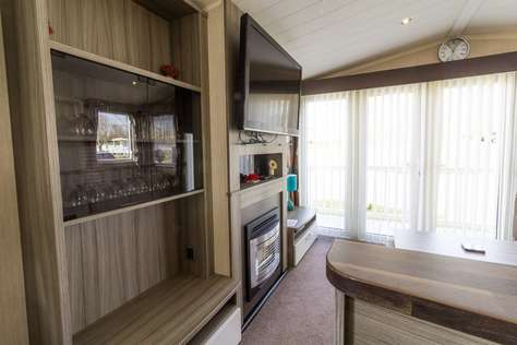 caravans for hire rent Birkdale 17 and Birkdale 18 sleeping 14