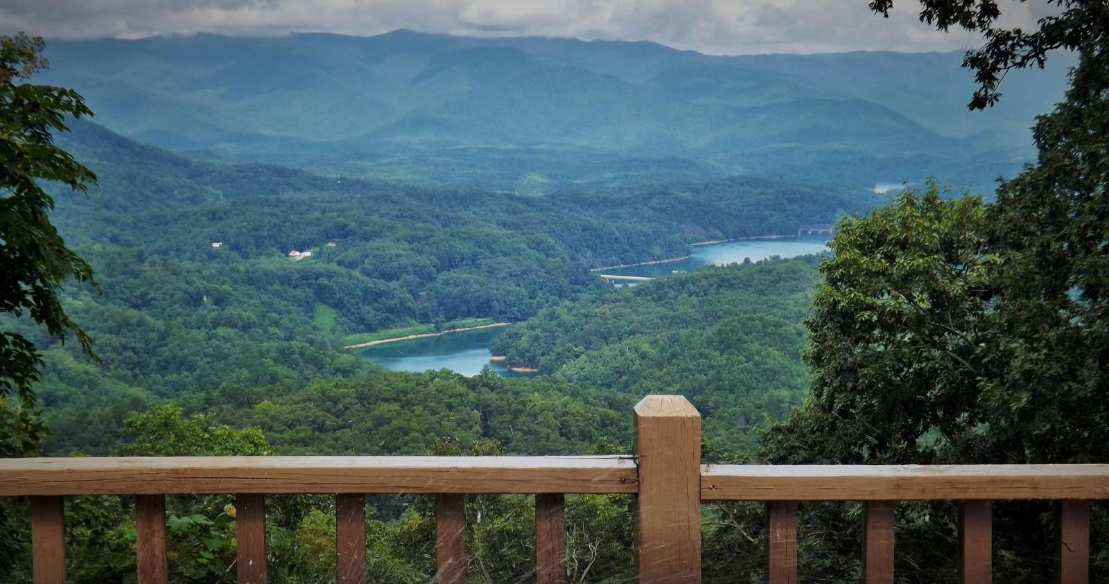 View from the Hot Tub and expansive Deck that is open to the Stars...