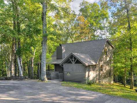 Moondance - Country Pines Resort (2 BR)