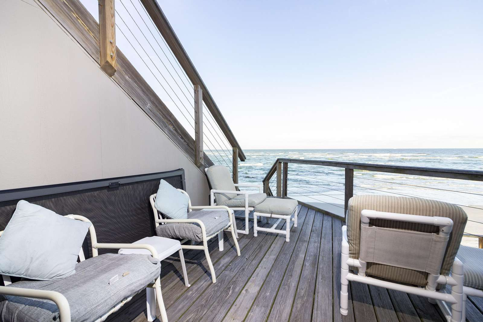 Deck off of Family Room