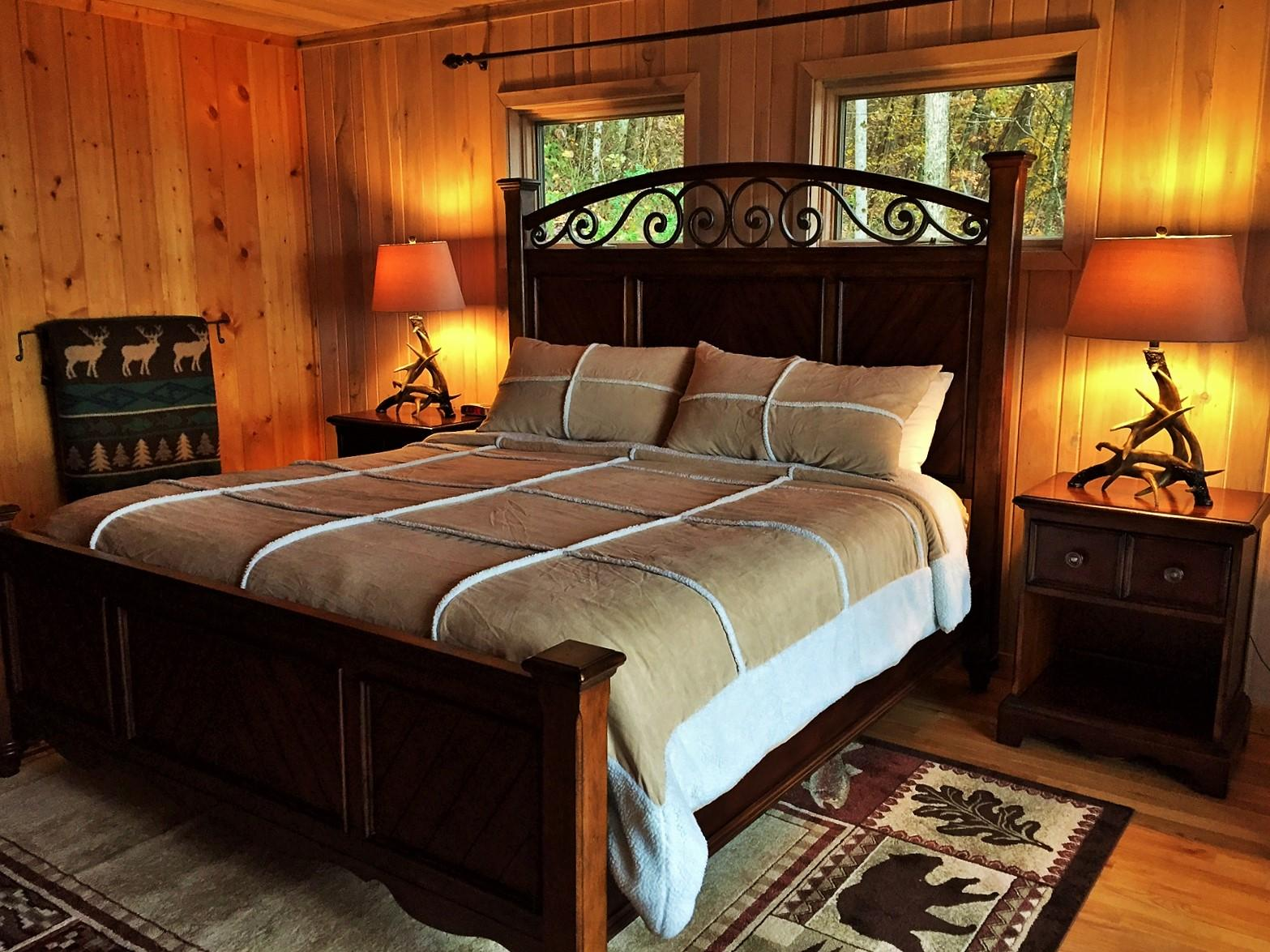 Very Comfortable King Bed with Luxury Linens is positioned to enjoy the Views!
