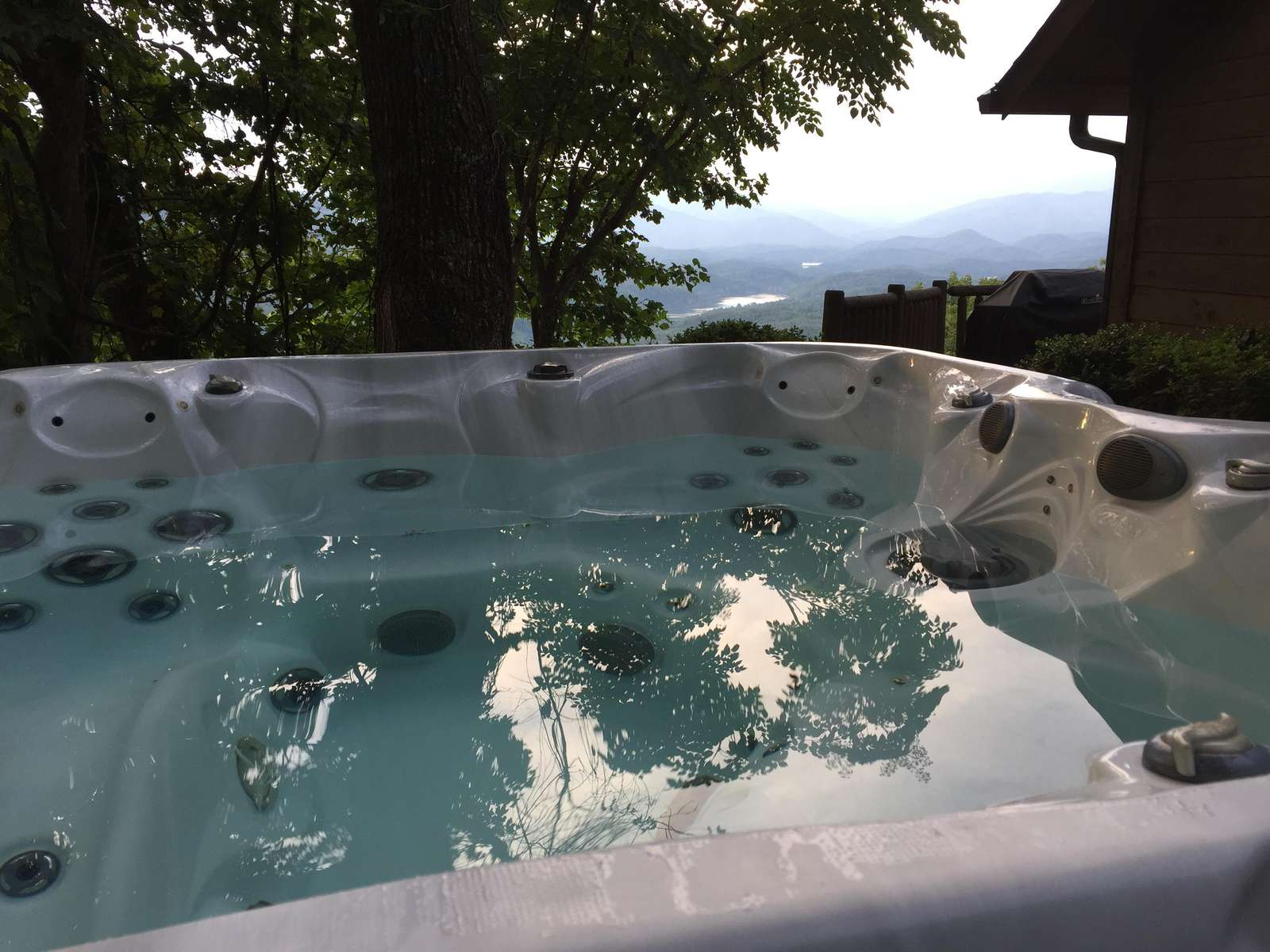 Completely PRIVATE Hot Tub is placed under the stars!