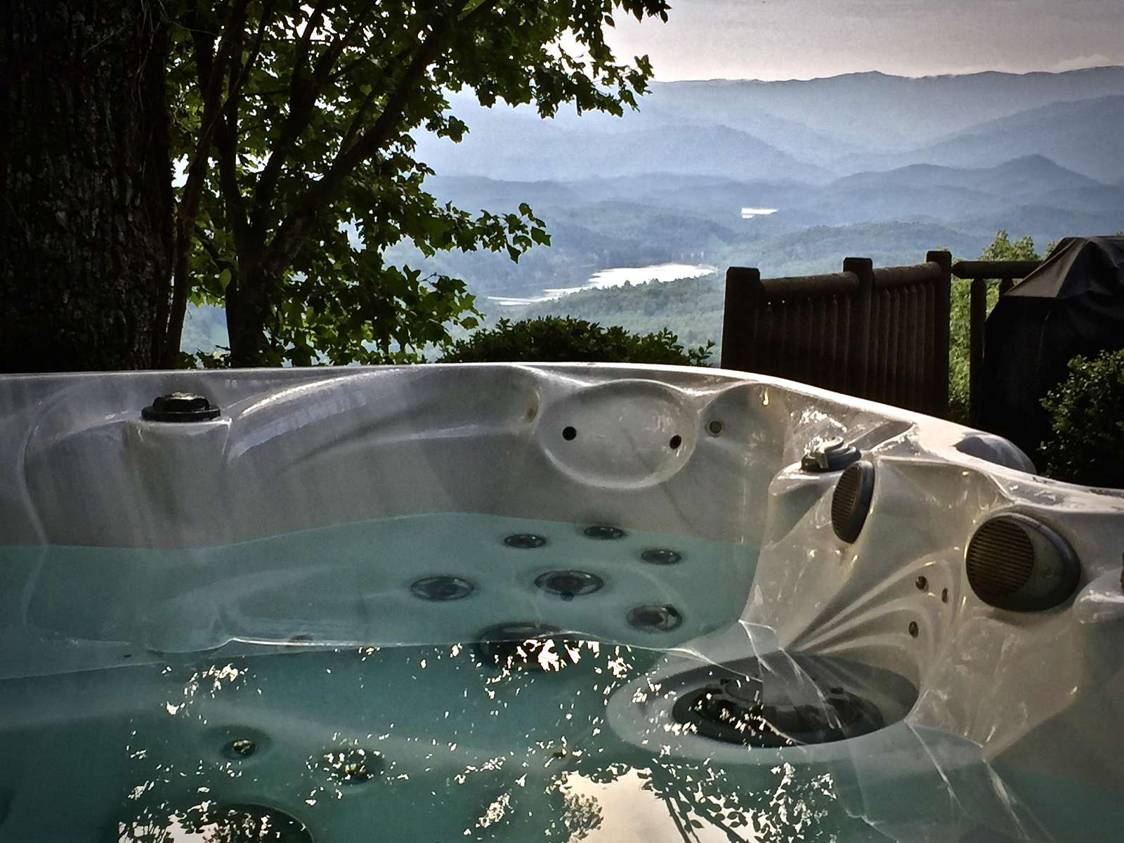 Hot Tub offers complete seclusion, star gazing, and a firefly show in the Summer!
