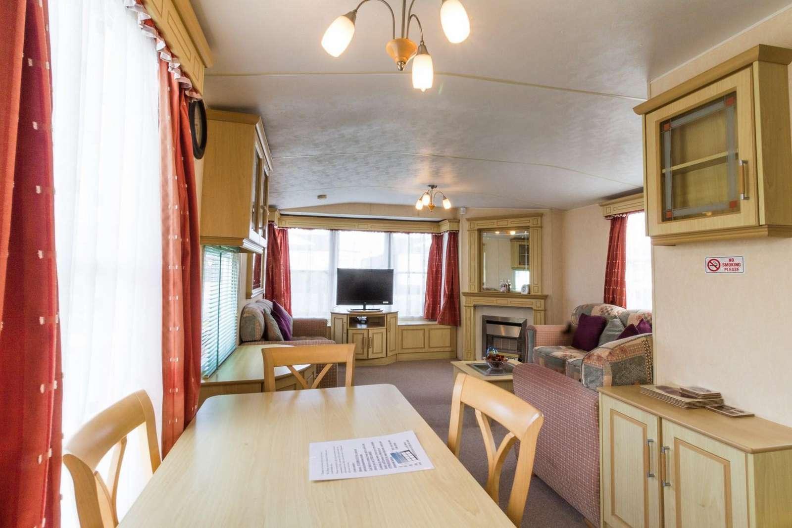 Dining area in this great caravan for rent in Hunstanton