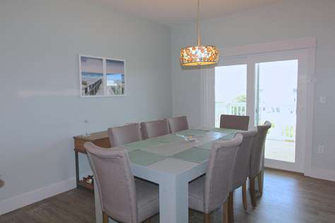 Dining room with gulf view and deck access