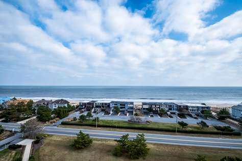21 Ocean Dr, #907, North Shores