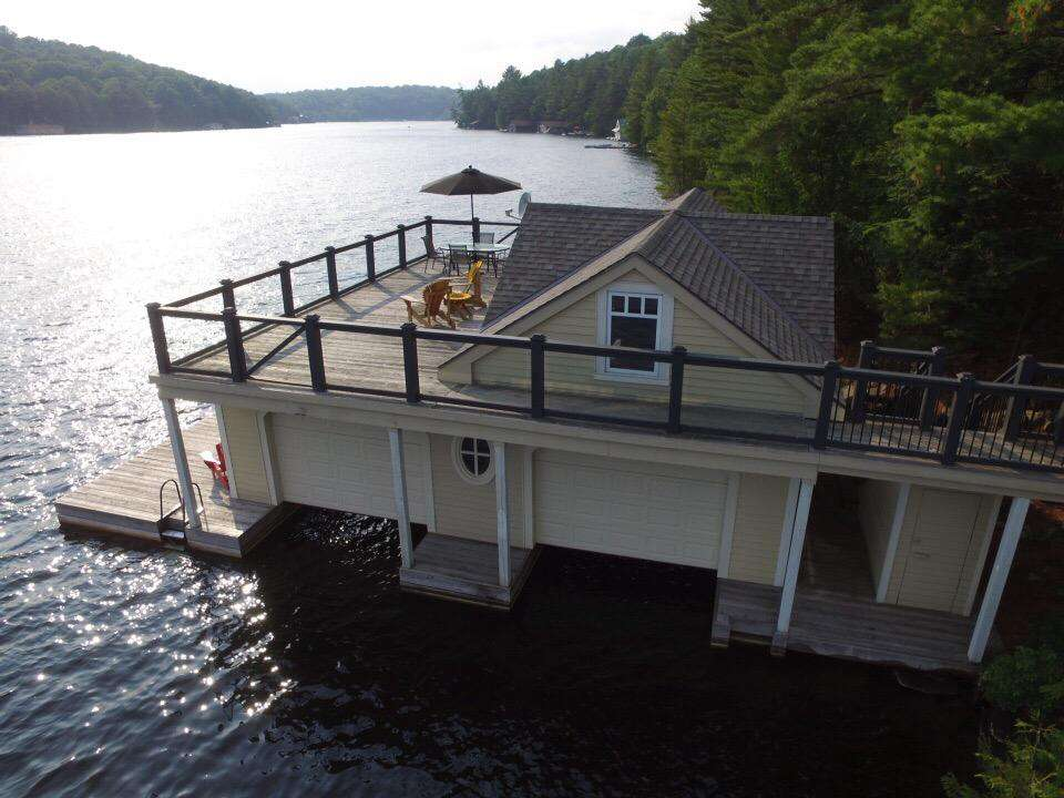 Boathouse Rooftop Sundeck