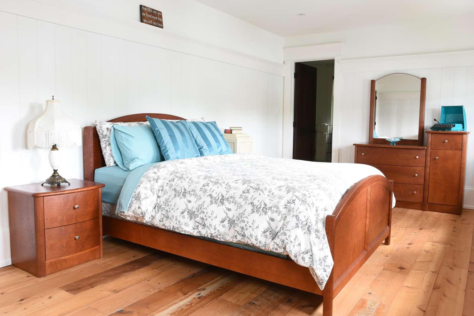 Upper Level Bedroom #4