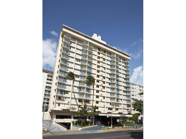 Aloha Surf Hotel Facade