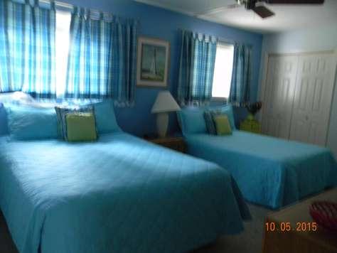 2nd Floor Bedroom w/ensuite Bathroom