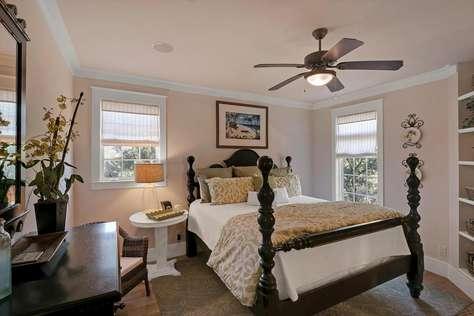 Master Bedroom (2nd Level)