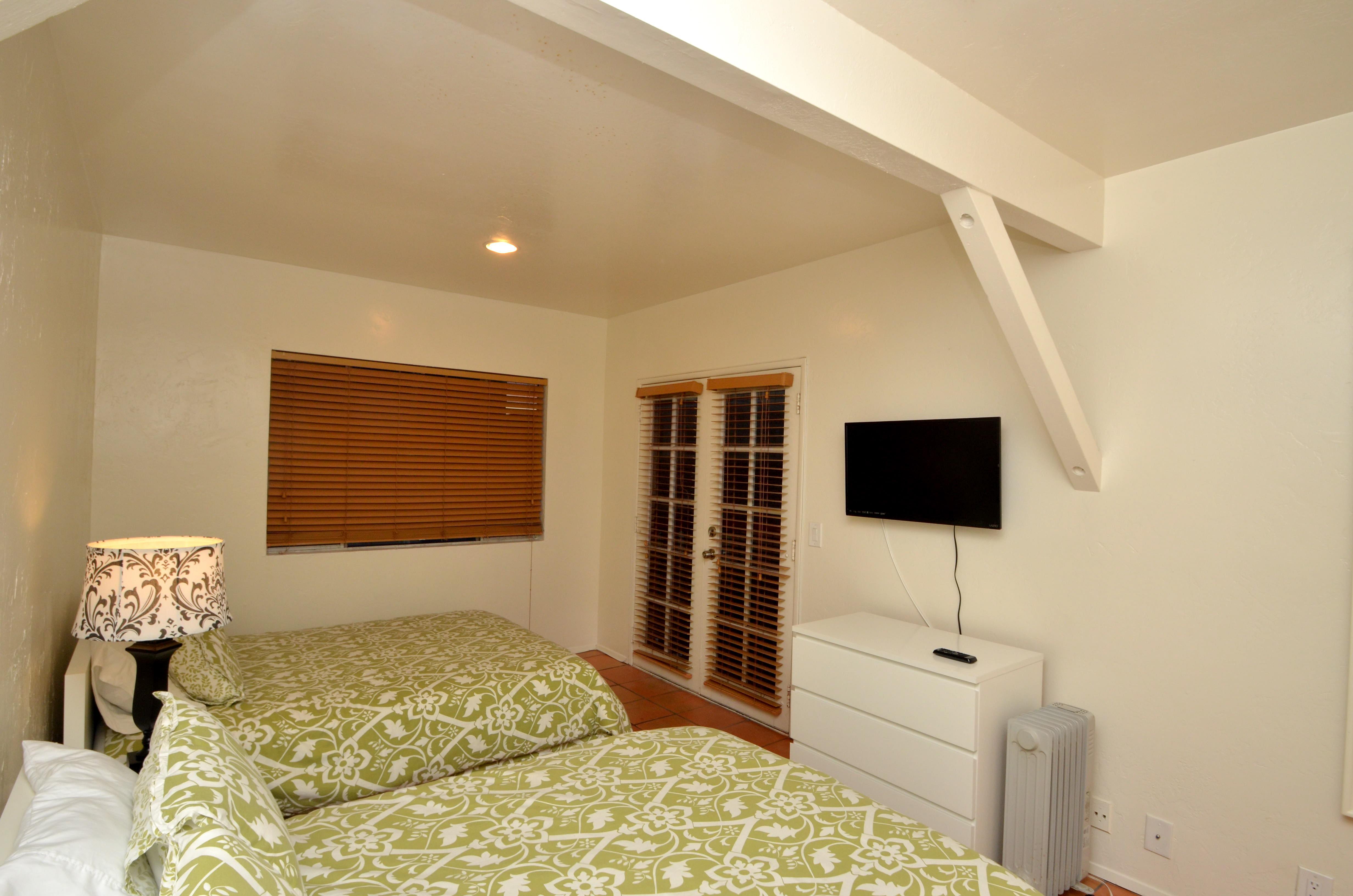 Front Bedroom upstairs sleeps 2 to 4