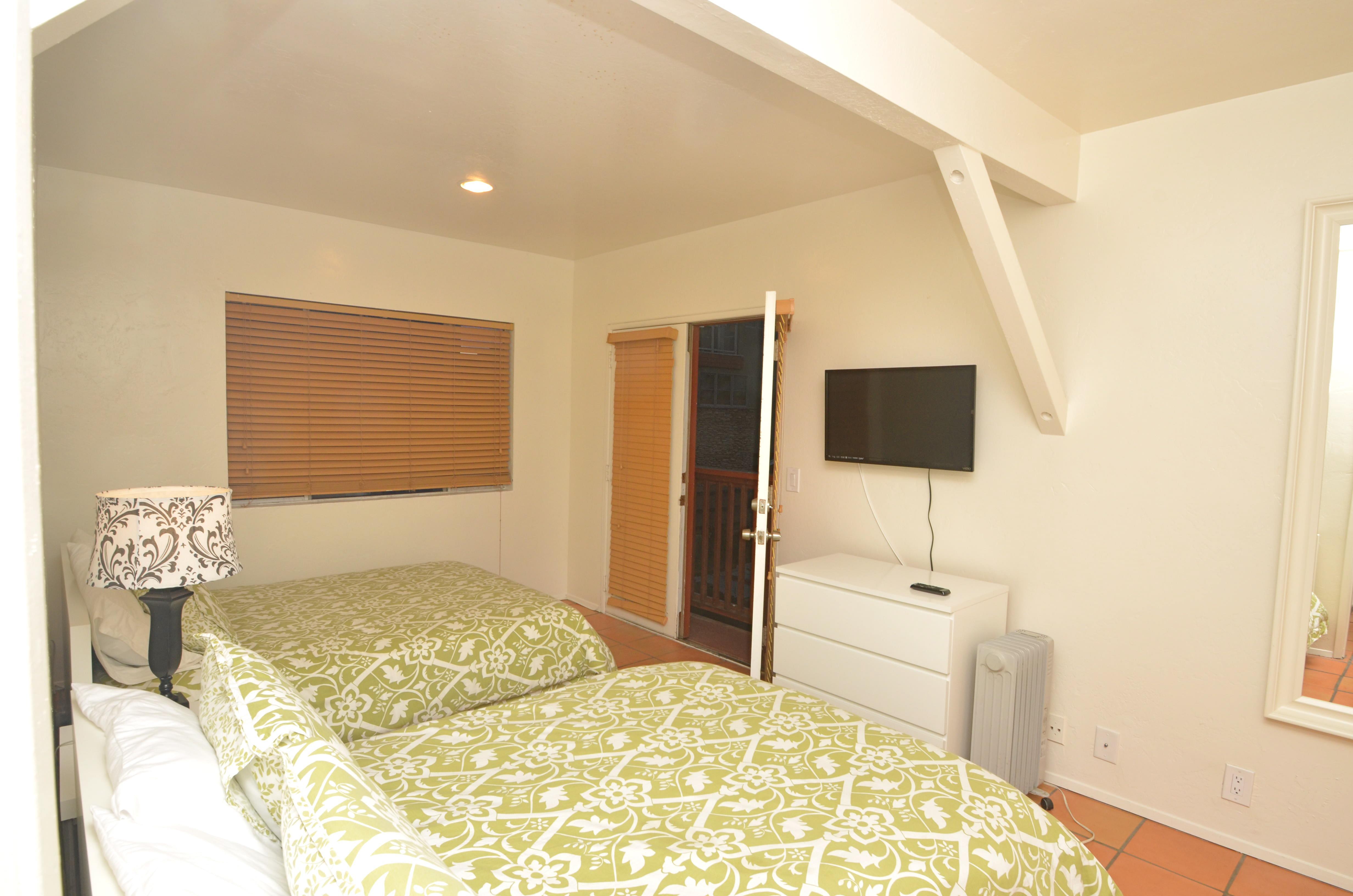 Front Bedroom upstairs (3)