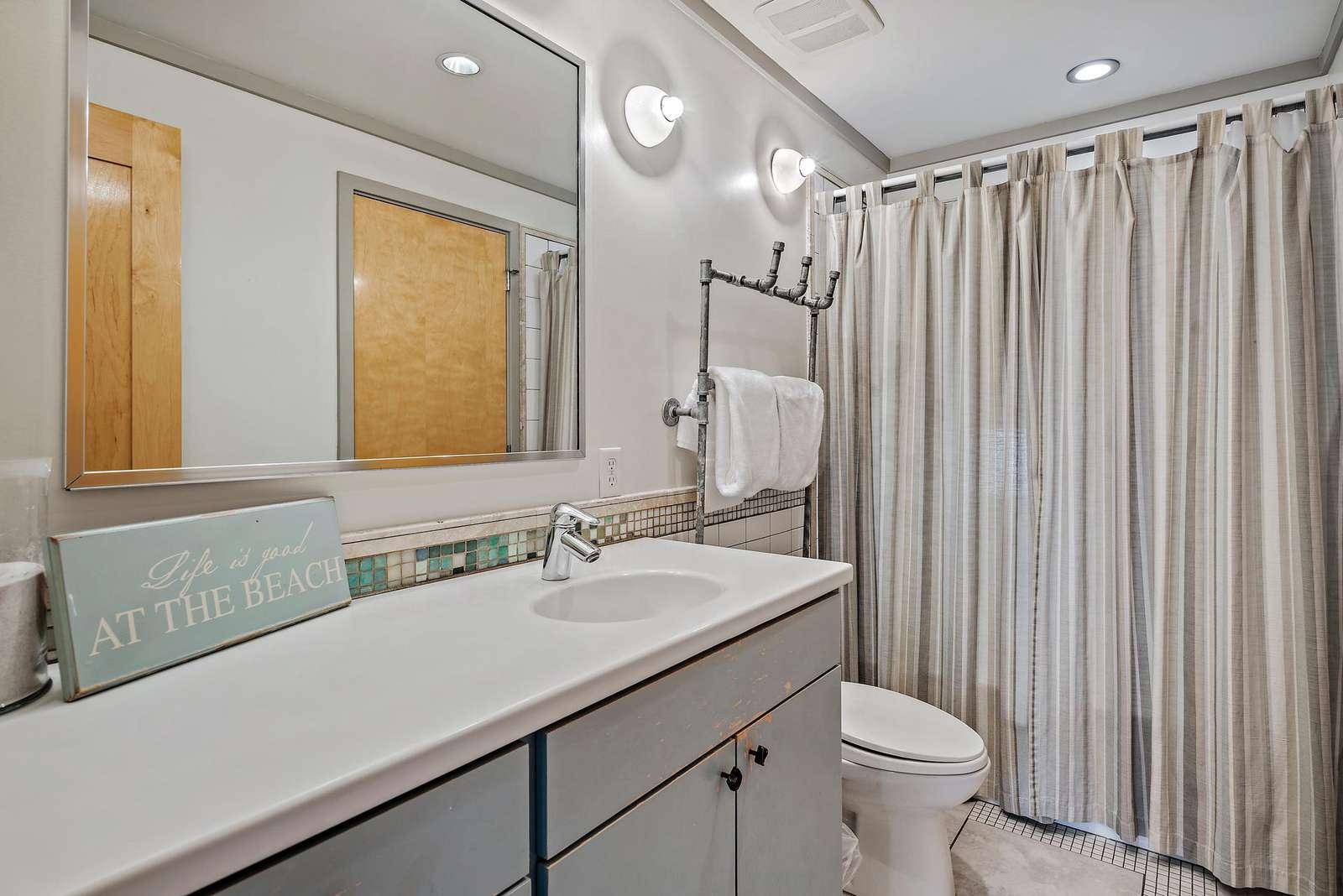 Full Bath on 2nd Floor for Loft