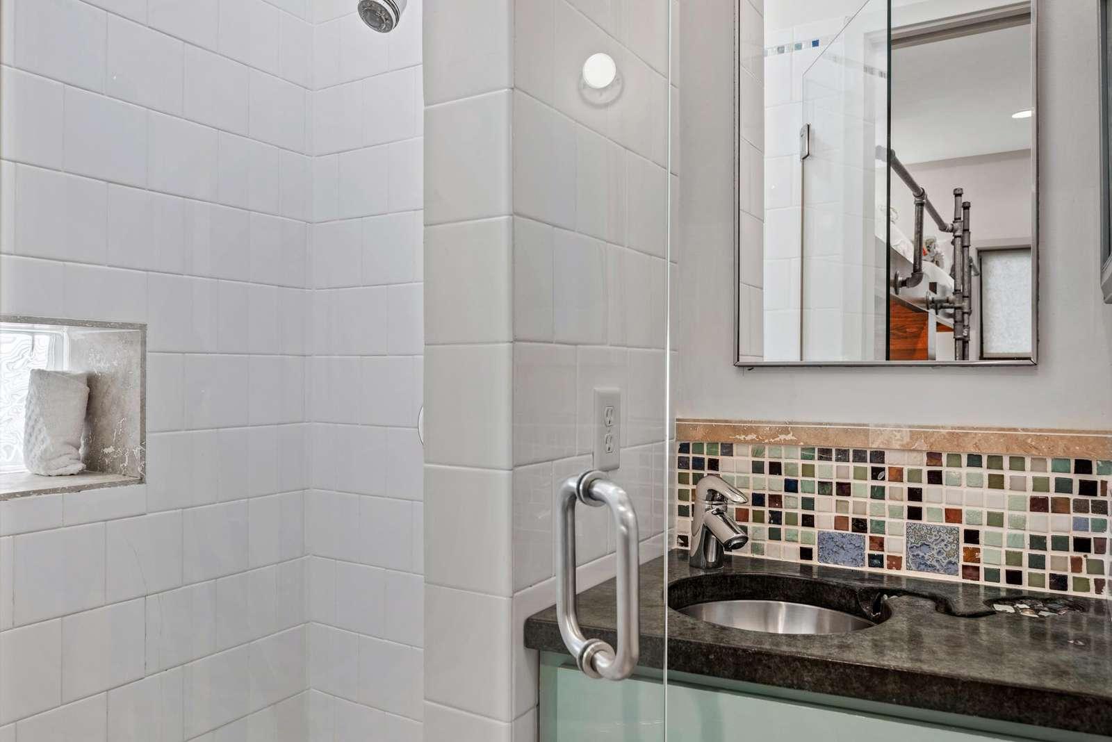 Bunk Bath Shower