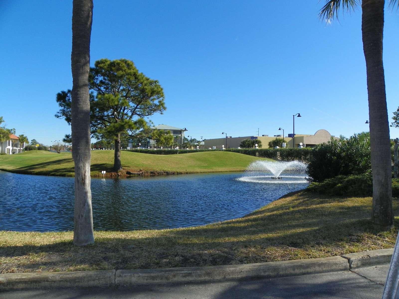 9 hole Par 3 course on site (add'l cost)