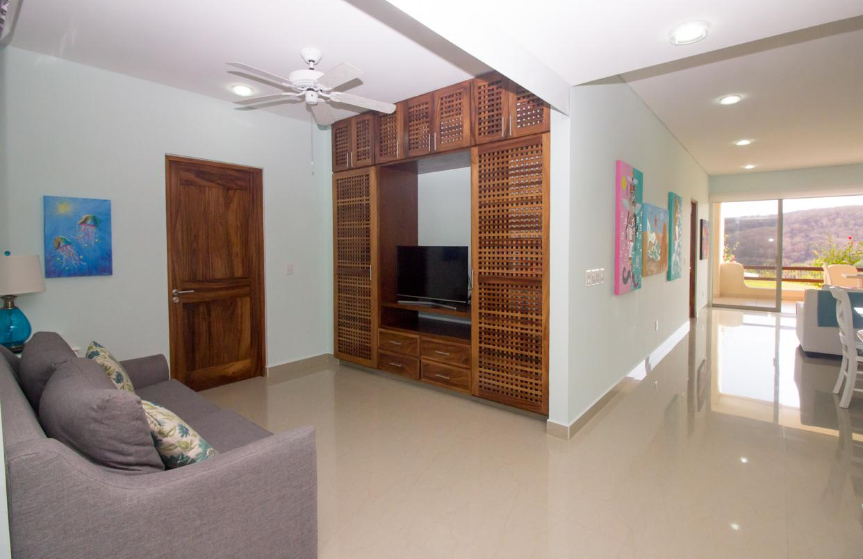 Den with fold out bed, SMART TV and Satellite