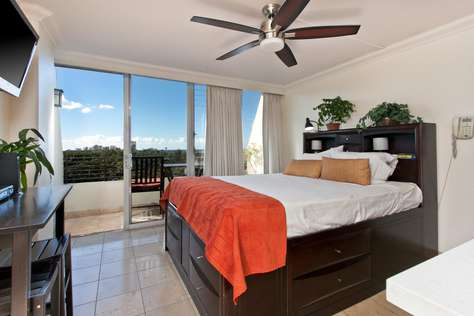 Waikiki Grand Suite 911