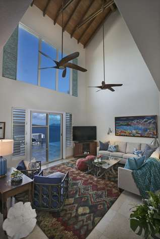 Living Room w/vaulted ceiling