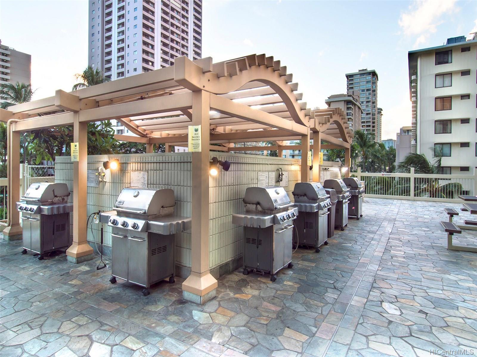 Grilling Area - 6th Floor Sundeck