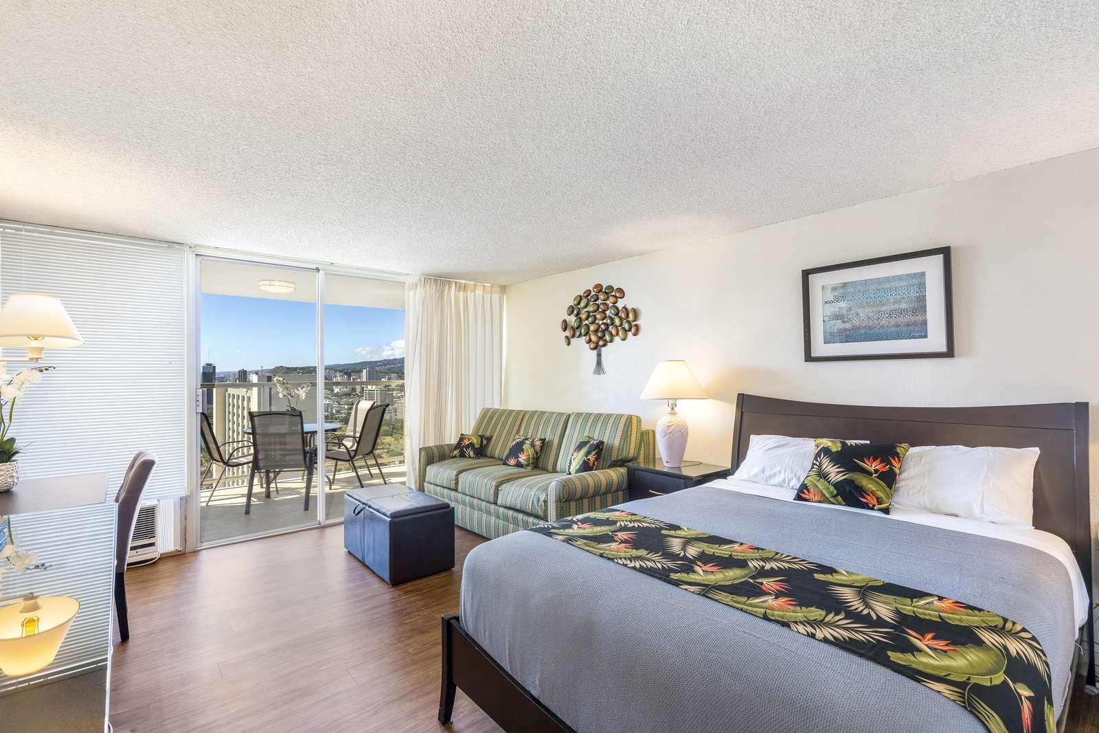 36th Floor Studio Sweeping Views of Waikiki await you at Island Colony