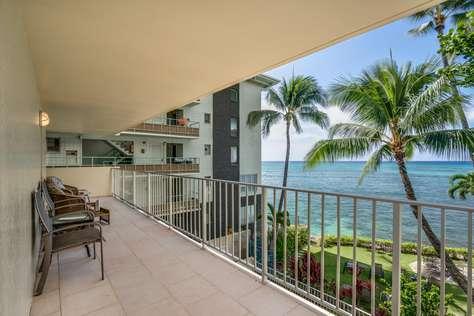 Diamond Head 301 Oceanfront w/ 2 Bedrooms