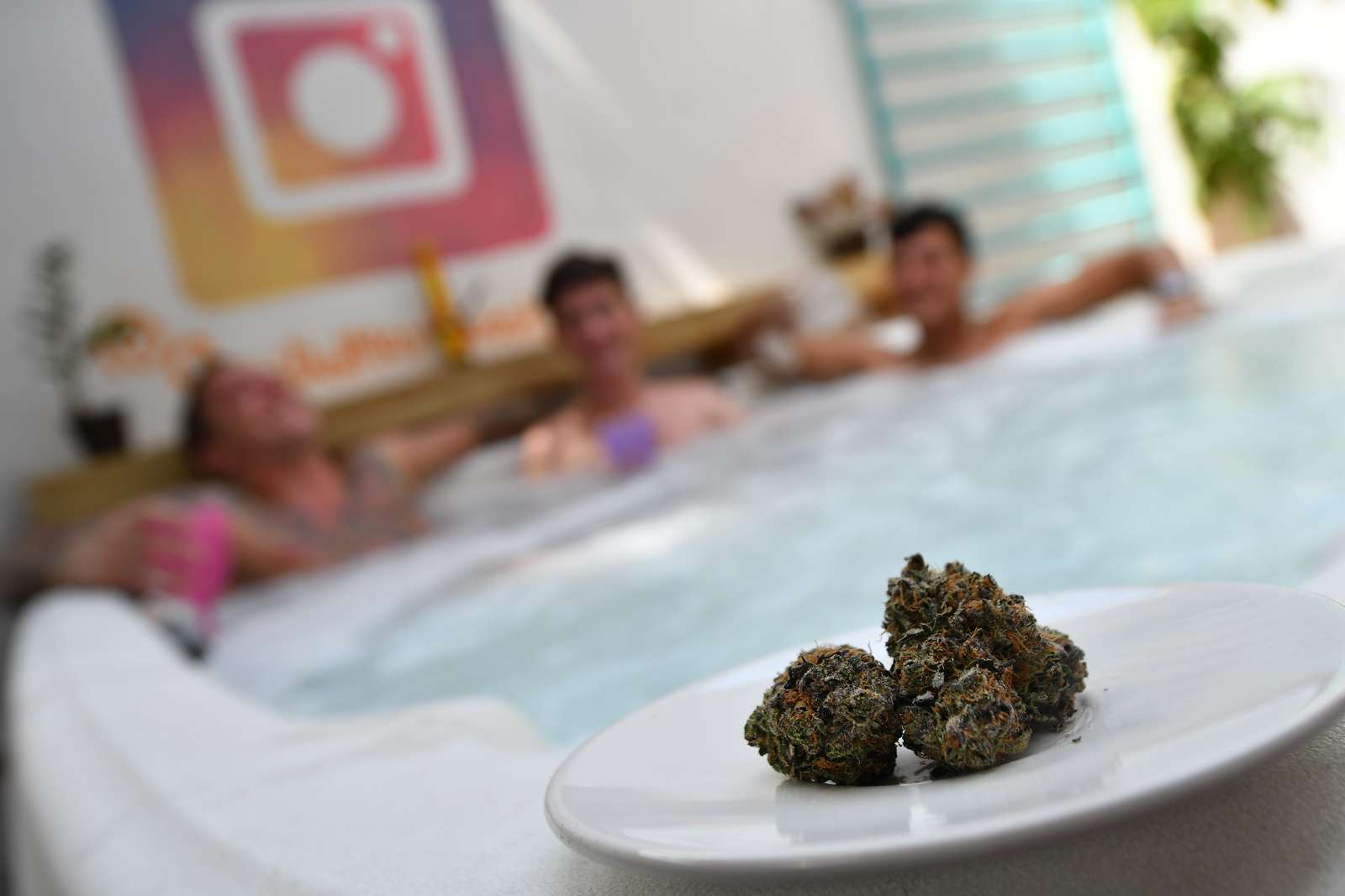 Jacuzzi + 420 = total vacation