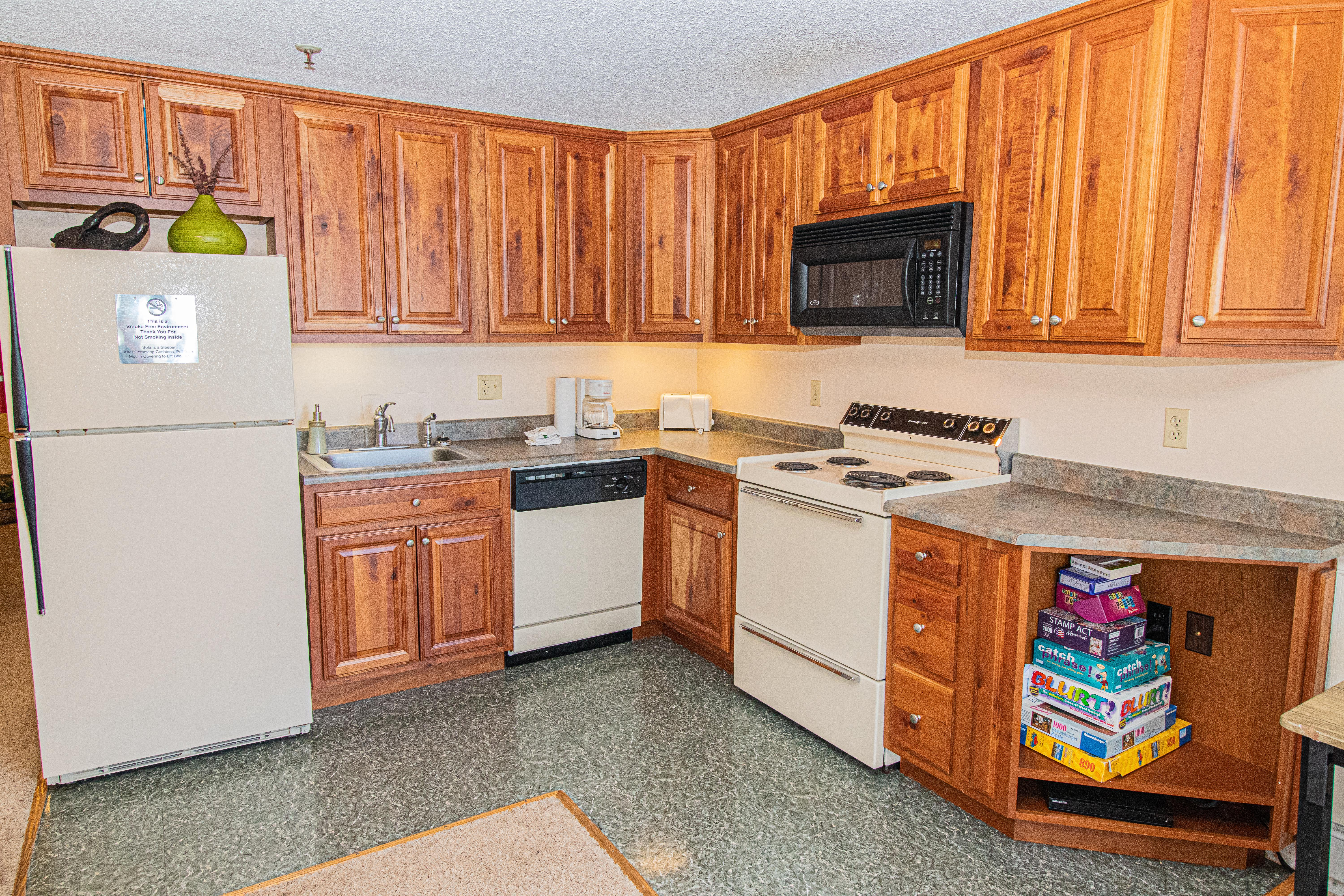 Fully-equipped kitchen with full-sized appliances. Everything you need to prepare your own meals!