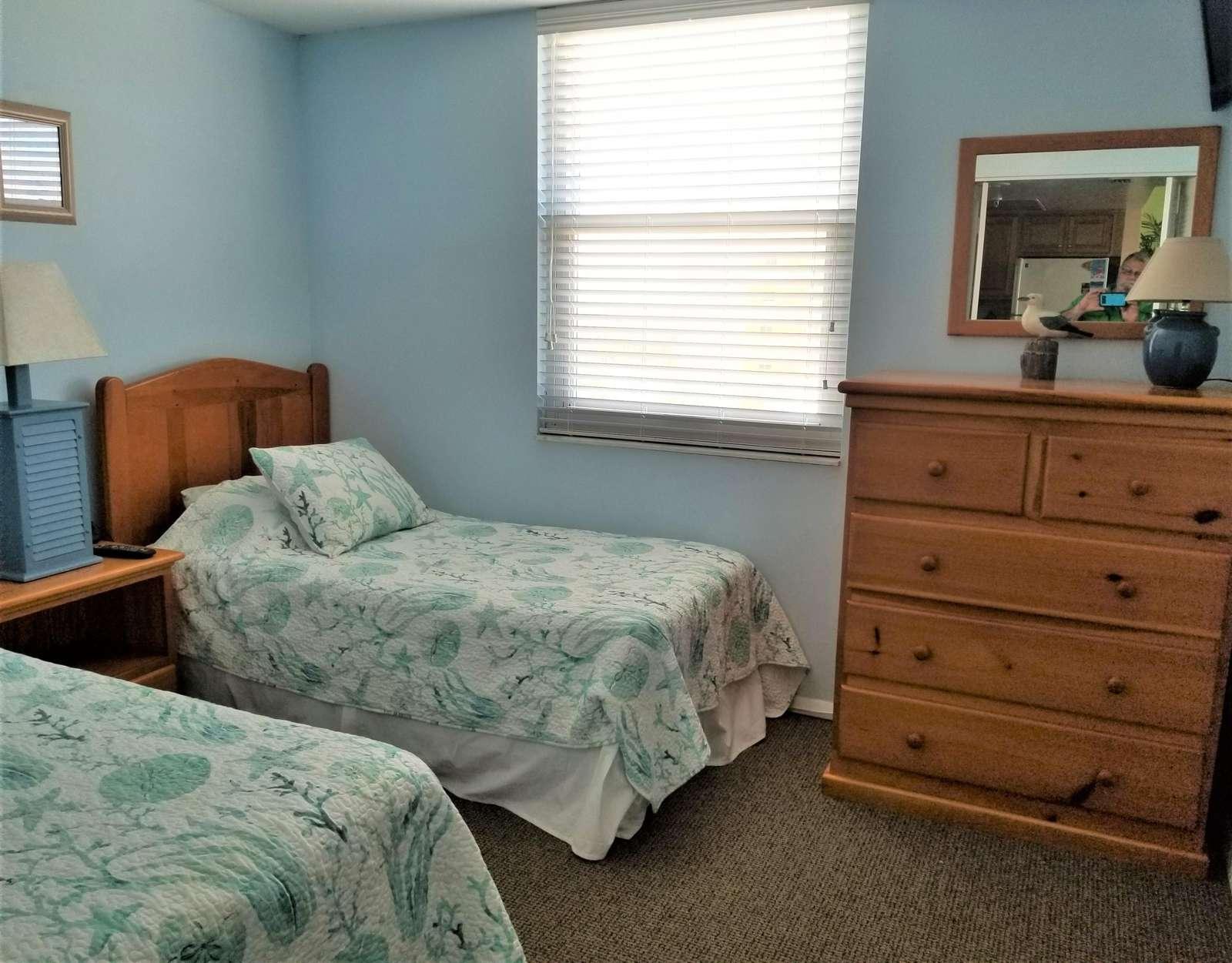 Guest bedroom (3rd TV)