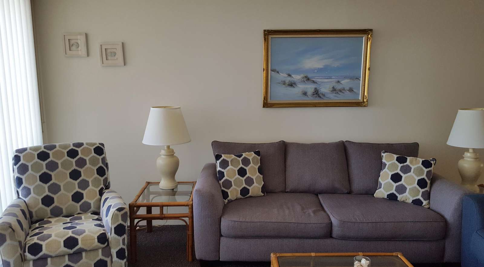 Living room (one recliner)