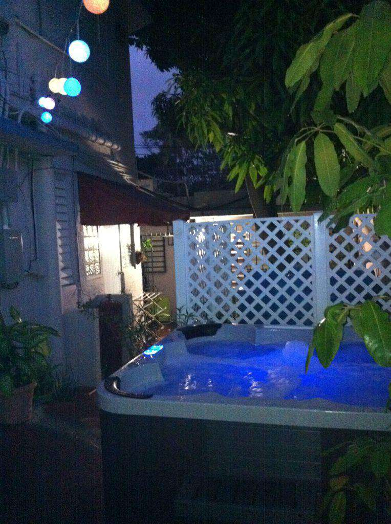 Relax in our jacuzzi day or night