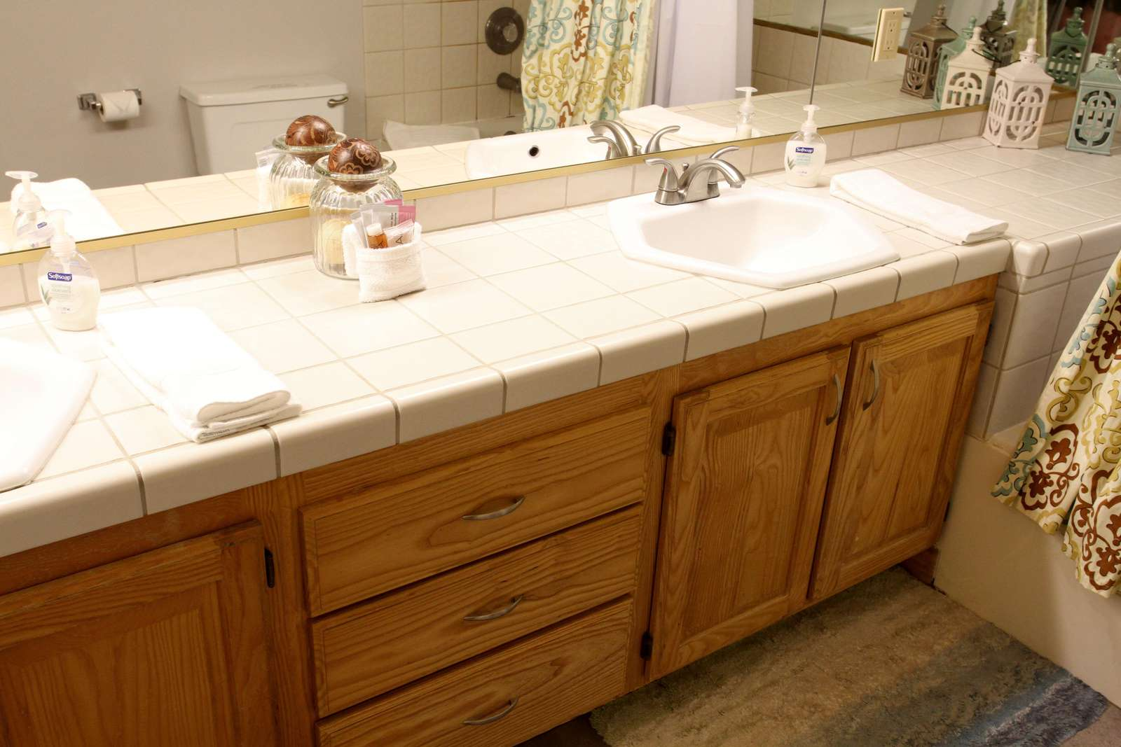 Double Sink in En Suite