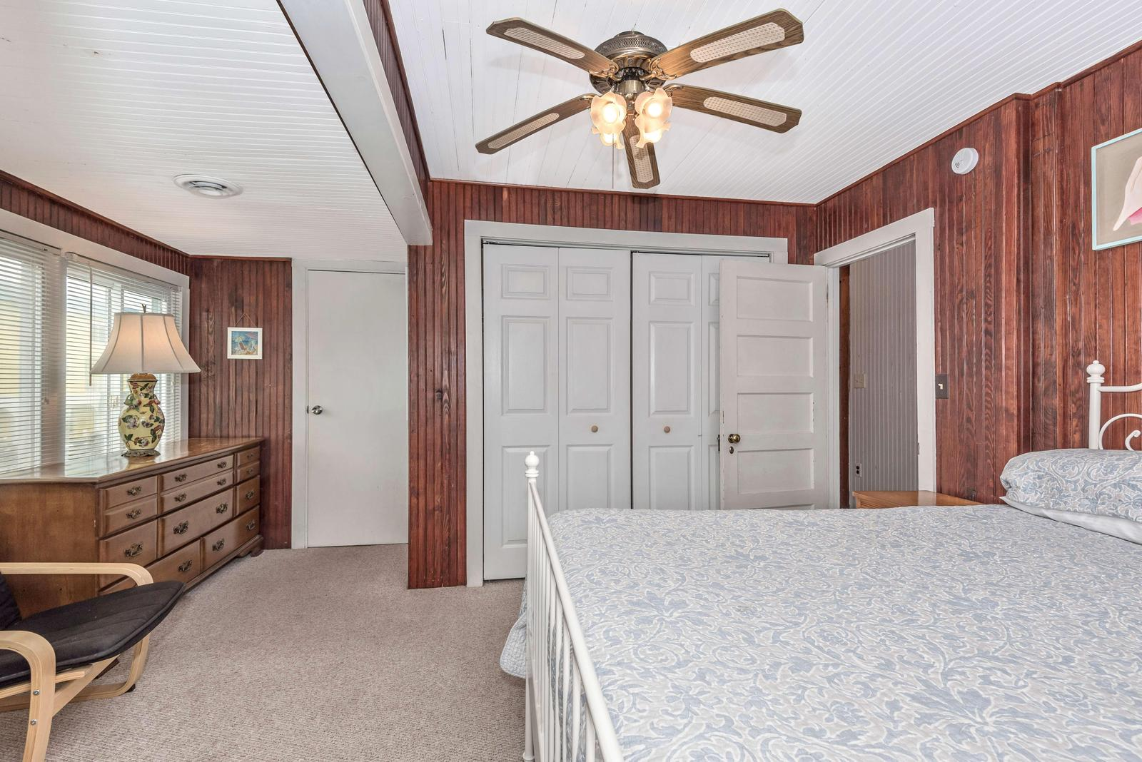 Upstairs Master bedroom with Full bath