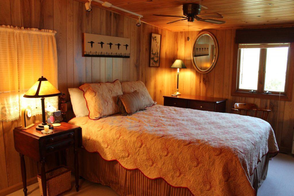 Master bedroom with Queen and half bath