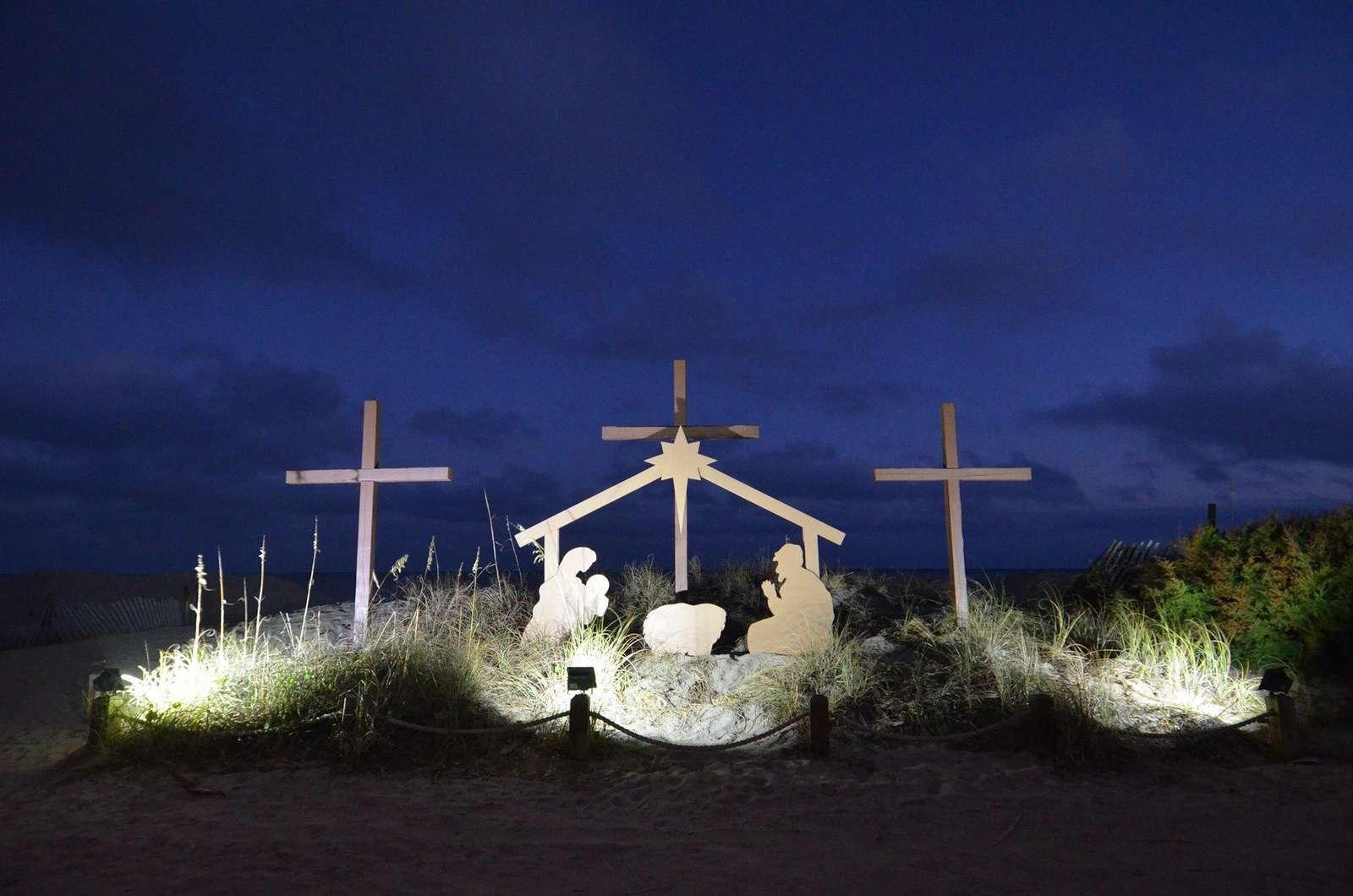 3 Crosses Ocean front at Christmas