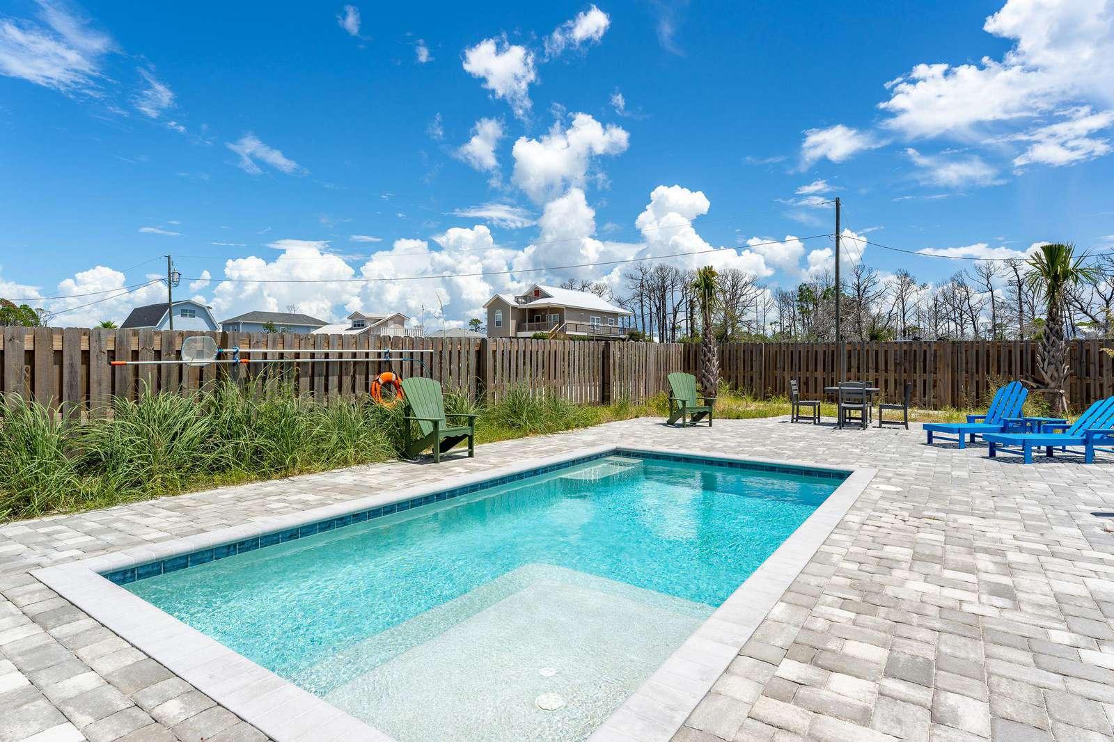 10X20 Pool Fenced Yard