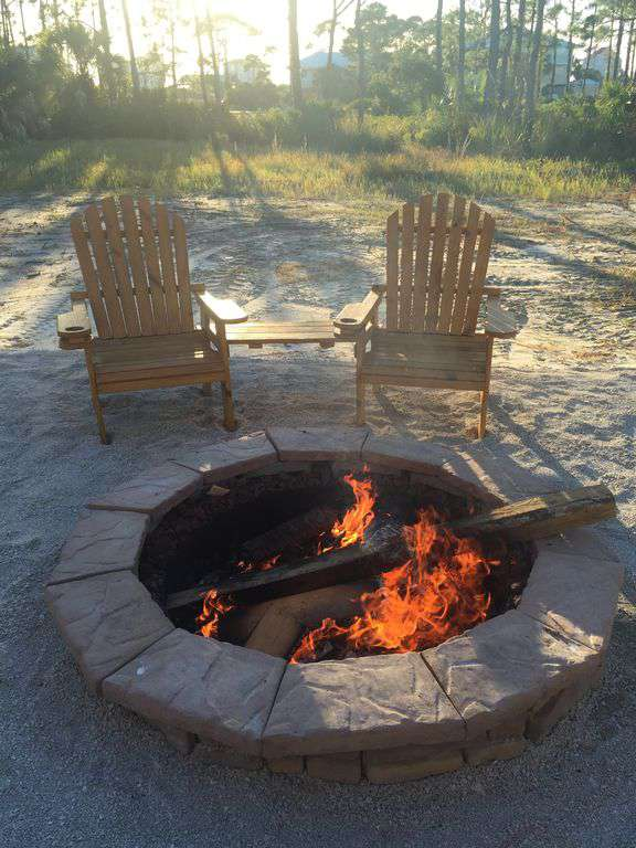 Fire Pit with 4 deck chairs