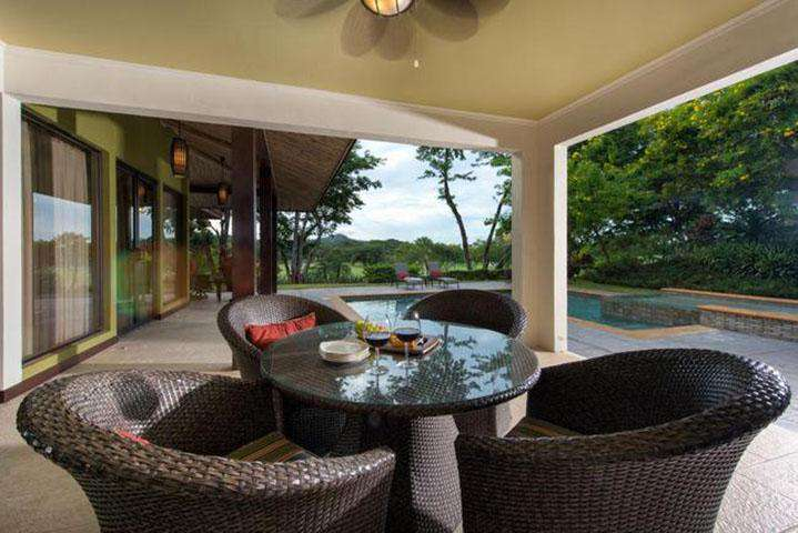 Covered terrace area, pool side
