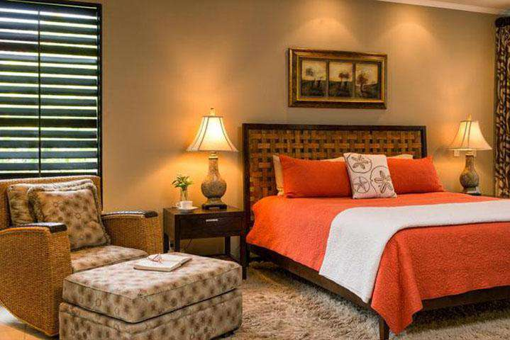 Master bedroom suite, king bed