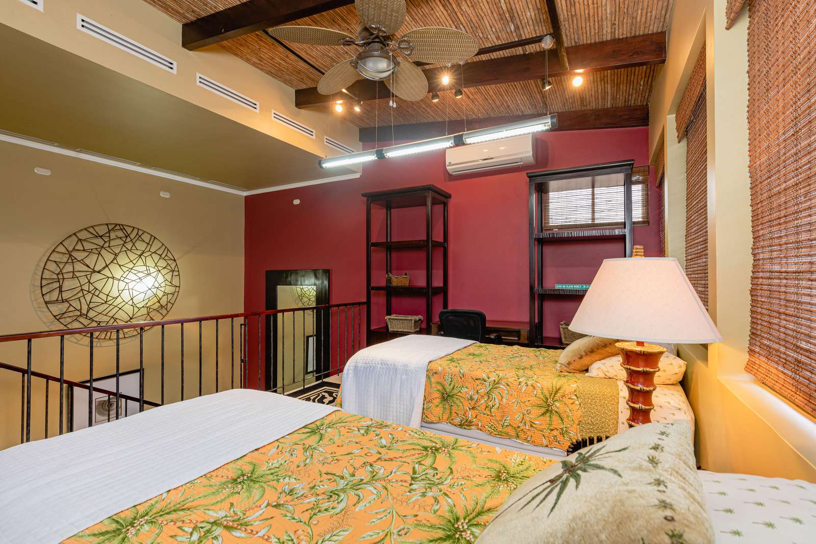 Loft bedroom, top floor, 2 twin beds (can be made into a king upon request)