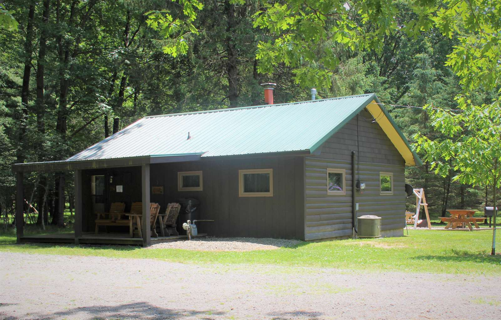 Twin Oaks Cabin, Front