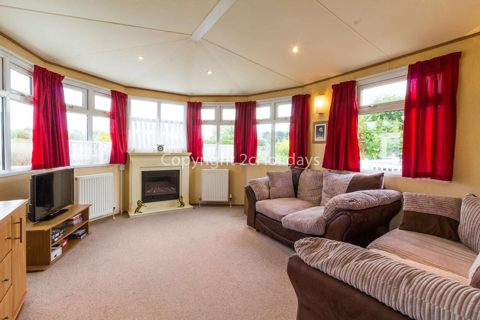 Great lounge space including a double sofa bed