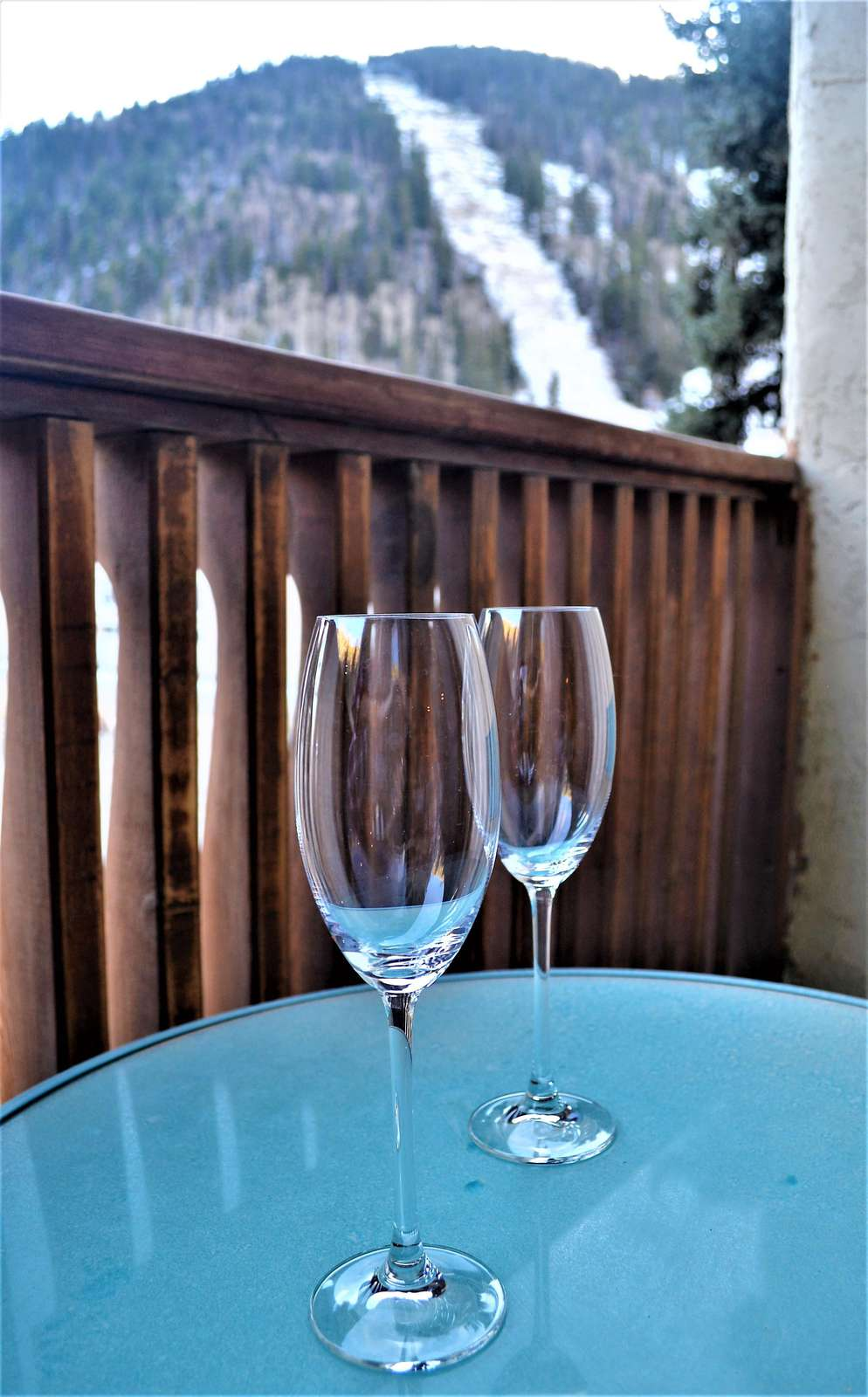 Apres Ski on Private balcony with View to Base area
