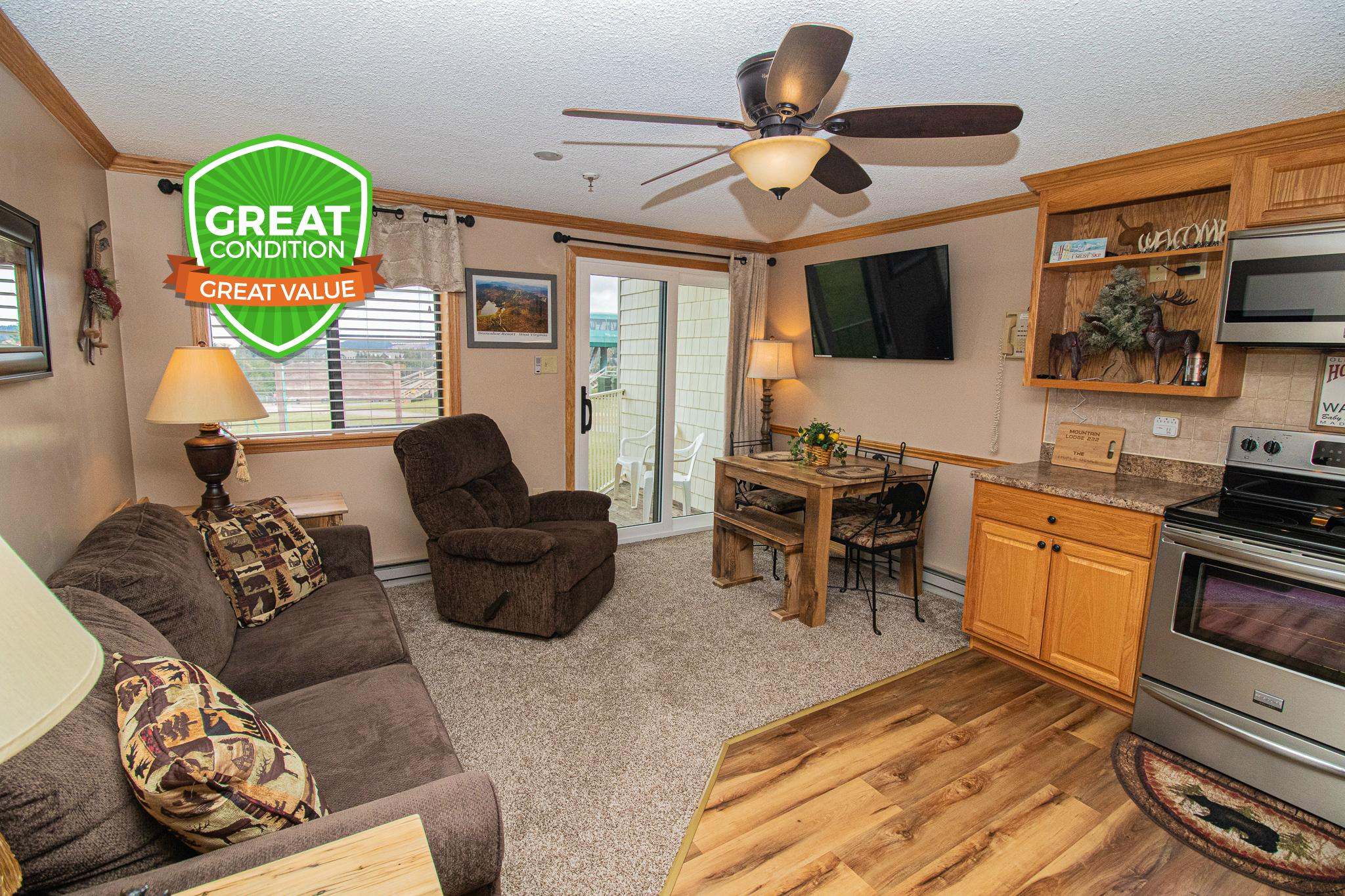 Mountain Lodge 222 (TRIPLE DEUCE!) - Your Snowshoe home away from home!