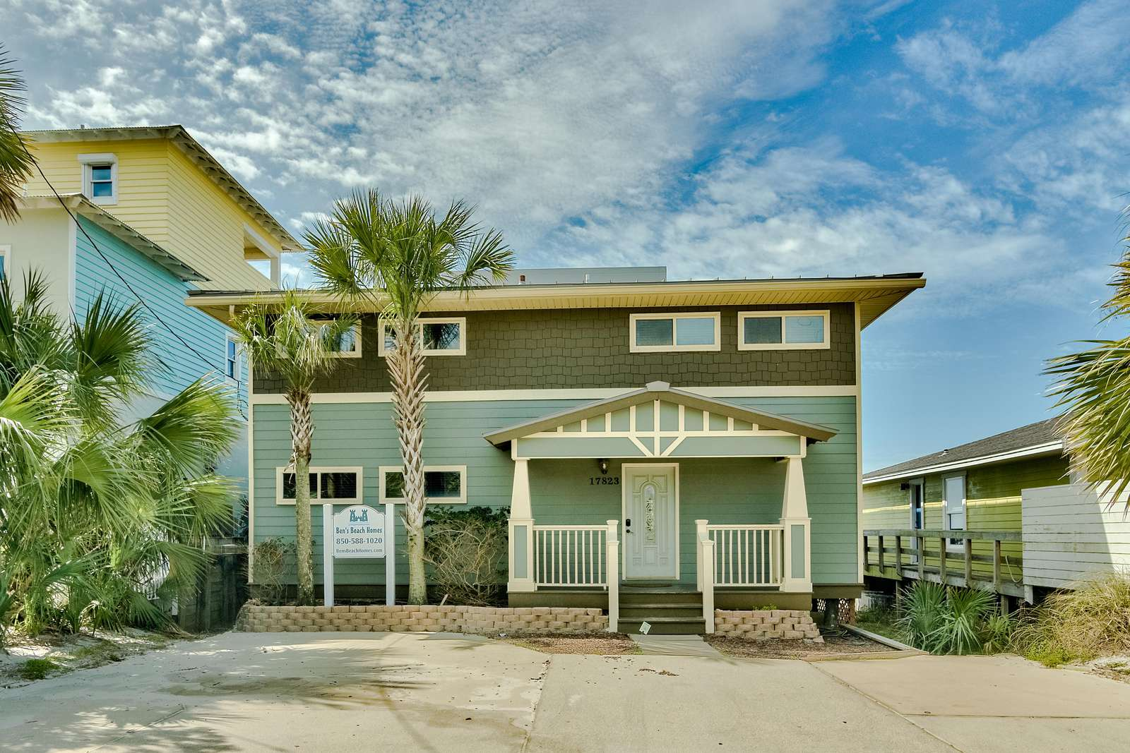 Sandy Bottoms - Fabulous West End Beach House & Hot Tub!
