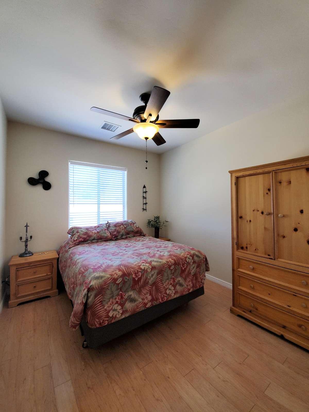 Queen guest room #1