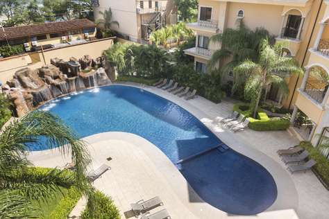 Sunrise 9- 2 Bedroom Poolside Condo