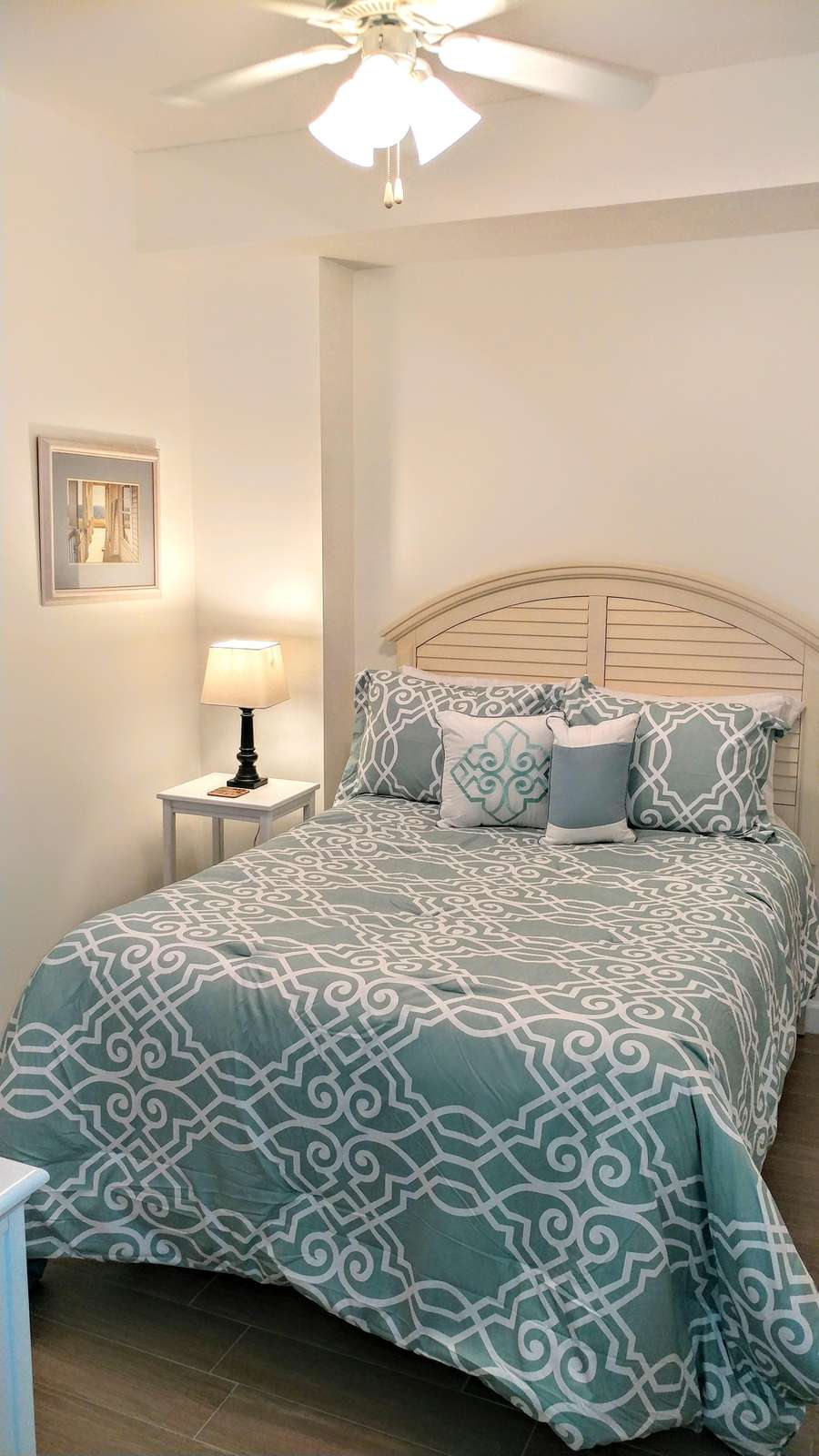 3rd Guest bedroom with full