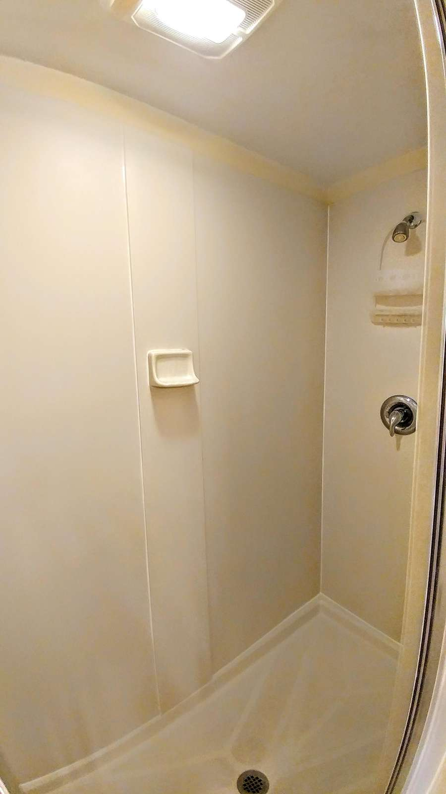 Separate stand-up shower