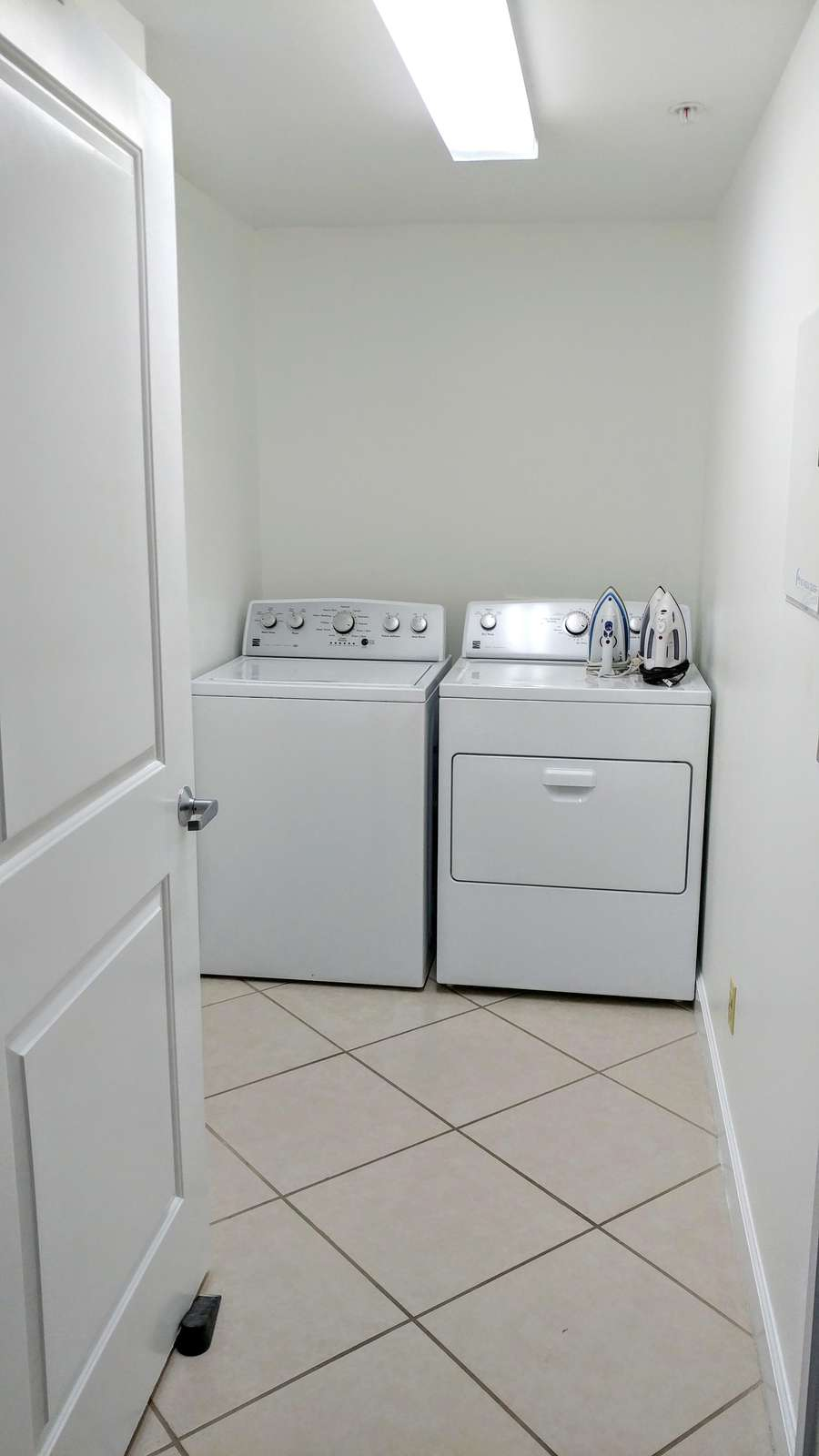 Washer/Dryer separate room!